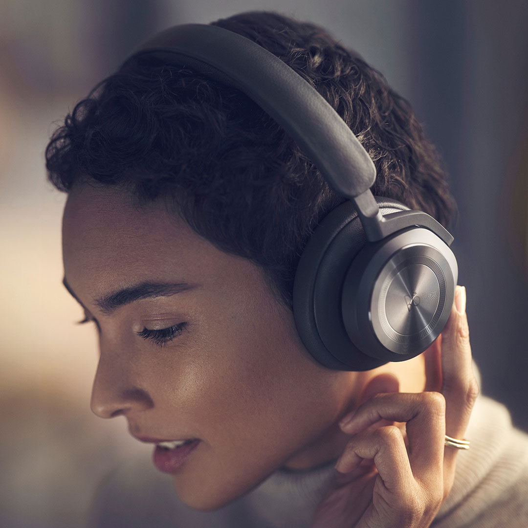 New Beoplay HX banner for mobile